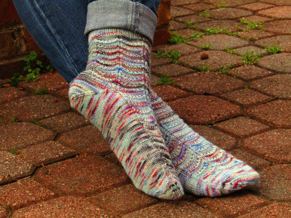 Ripple Socks -- Knitting Patterns -- PDF Download