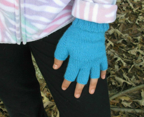 Sportswoman Fingerless Gloves -- Knitting Patterns -- PDF Download