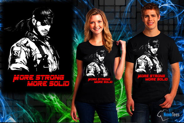 A woman and man wearing a black t-shirt with art inspired by Solid Snake from Metal Gear Solid