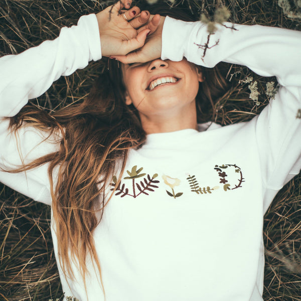 WILD EMBROIDERY SWEATSHIRT