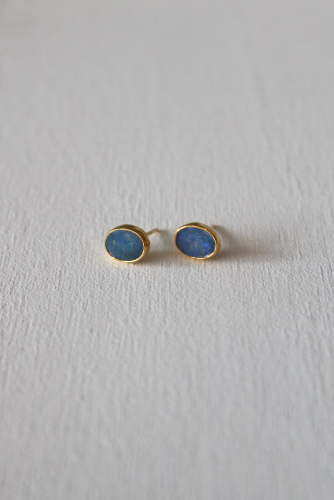 Simple Opal Studs Gold