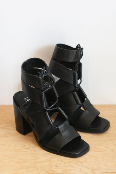 Vista Heel Black