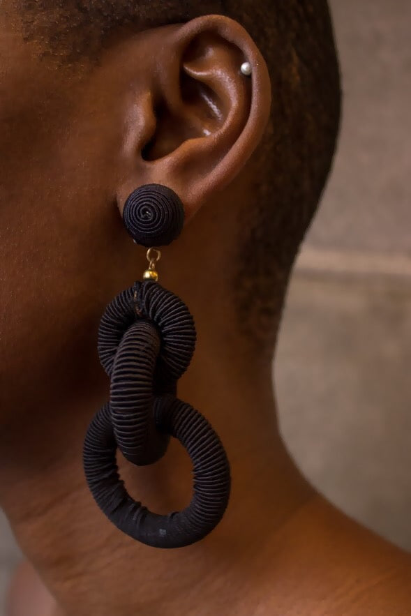 Rope Link Earring Black