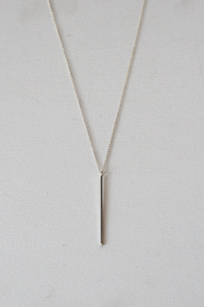 Amora Bar Necklace Silver