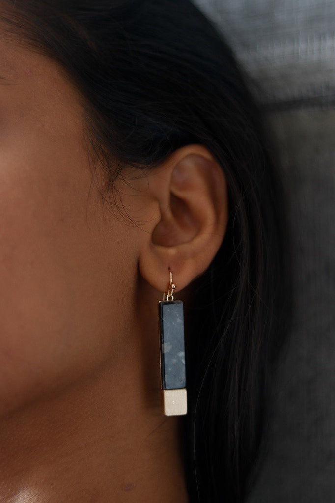 Bar Drop Earrings Tortoise Grey