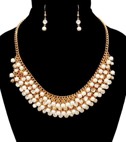 """No Fuss"" Cluster Pearl Necklace Set"