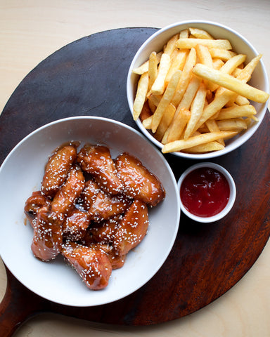 Chicken Wings and Chips - BBQ Sriracha
