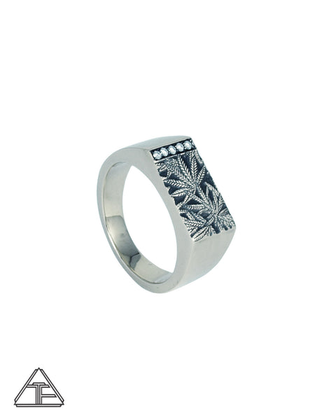 Signet Ring: Canna Class *Diamond*