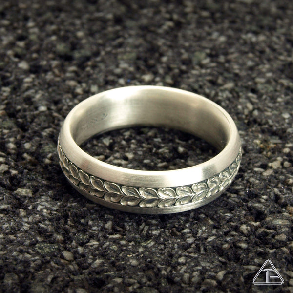 Hawthorne: Hand Engraved Band / Ring