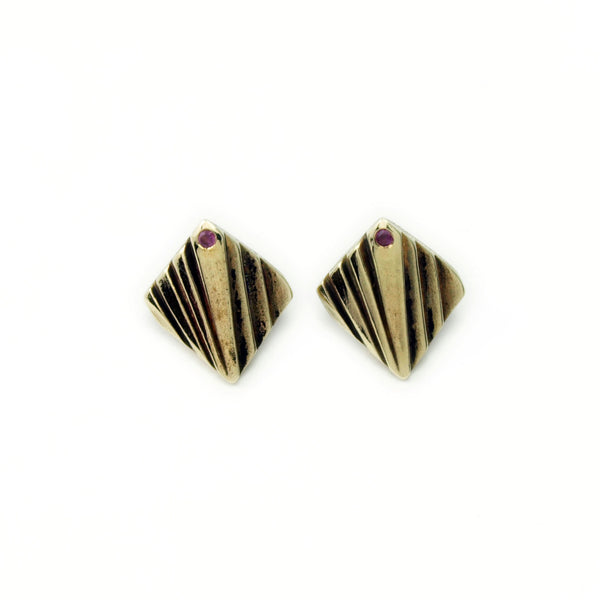 Mohs Lattice: Brass Studs Rhodolite