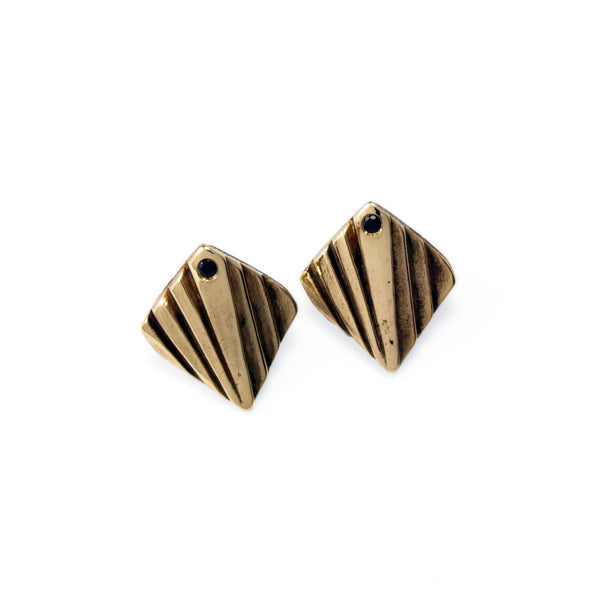 Mohs: Brass Studs Black Spinel