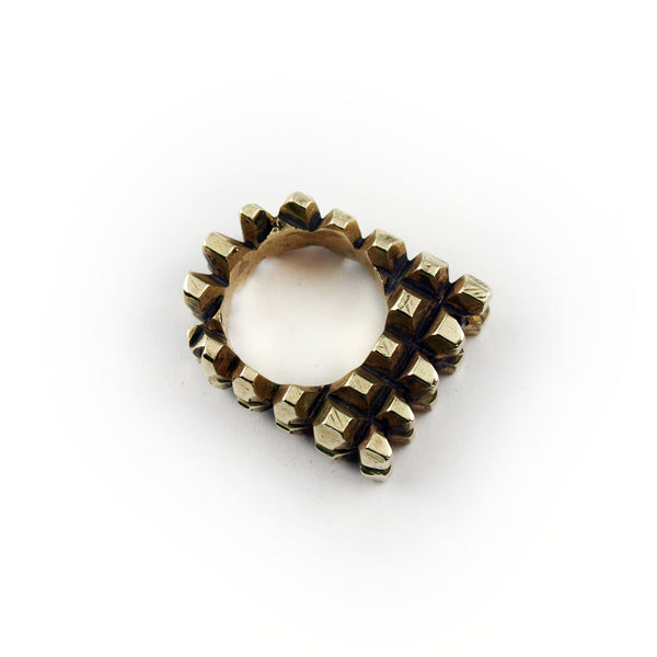 Hedron: Brass Ring Black Spinel