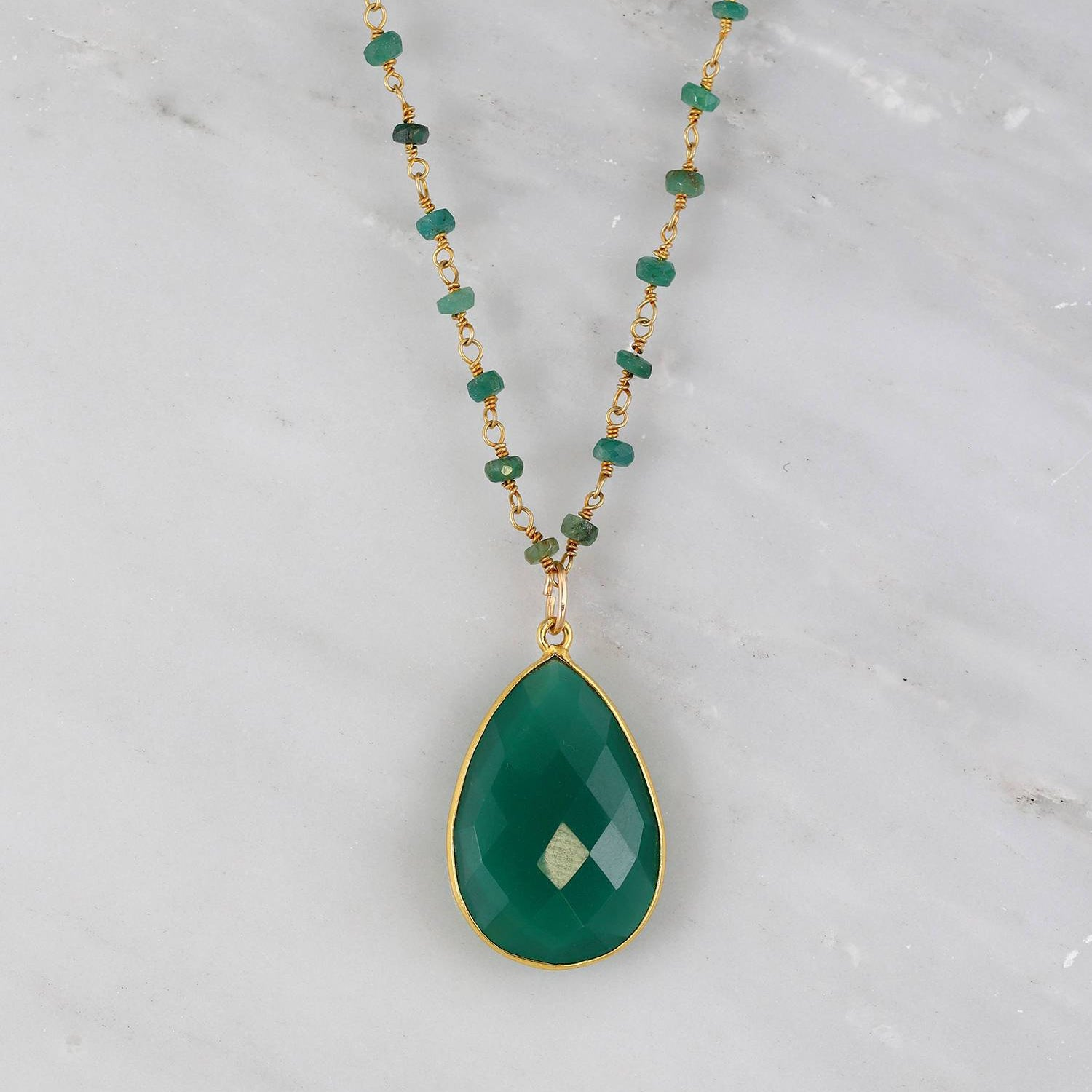 Green Onyx Necklace, Green Wire Wrapped, Valentine's Gift for her, Gold Gemstone Pendent, Wire Wrapped Emerald Necklace, Tear Drop Necklace