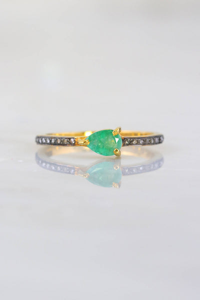 Green Emerald Ring, Pave Diamond Ring, Minimalist Diamond Ring, Elegant Delicate Ring, Elegant Fine Jewelry, Diamond Stacking Ring