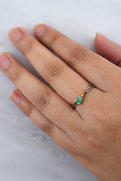 Fine Emerald Ring, Teardrop Diamond Ring, Elegant Delicate Ring, Elegant Fine Jewelry, Diamond Stacking Ring, Emerald Jewelry, Mother's Gift