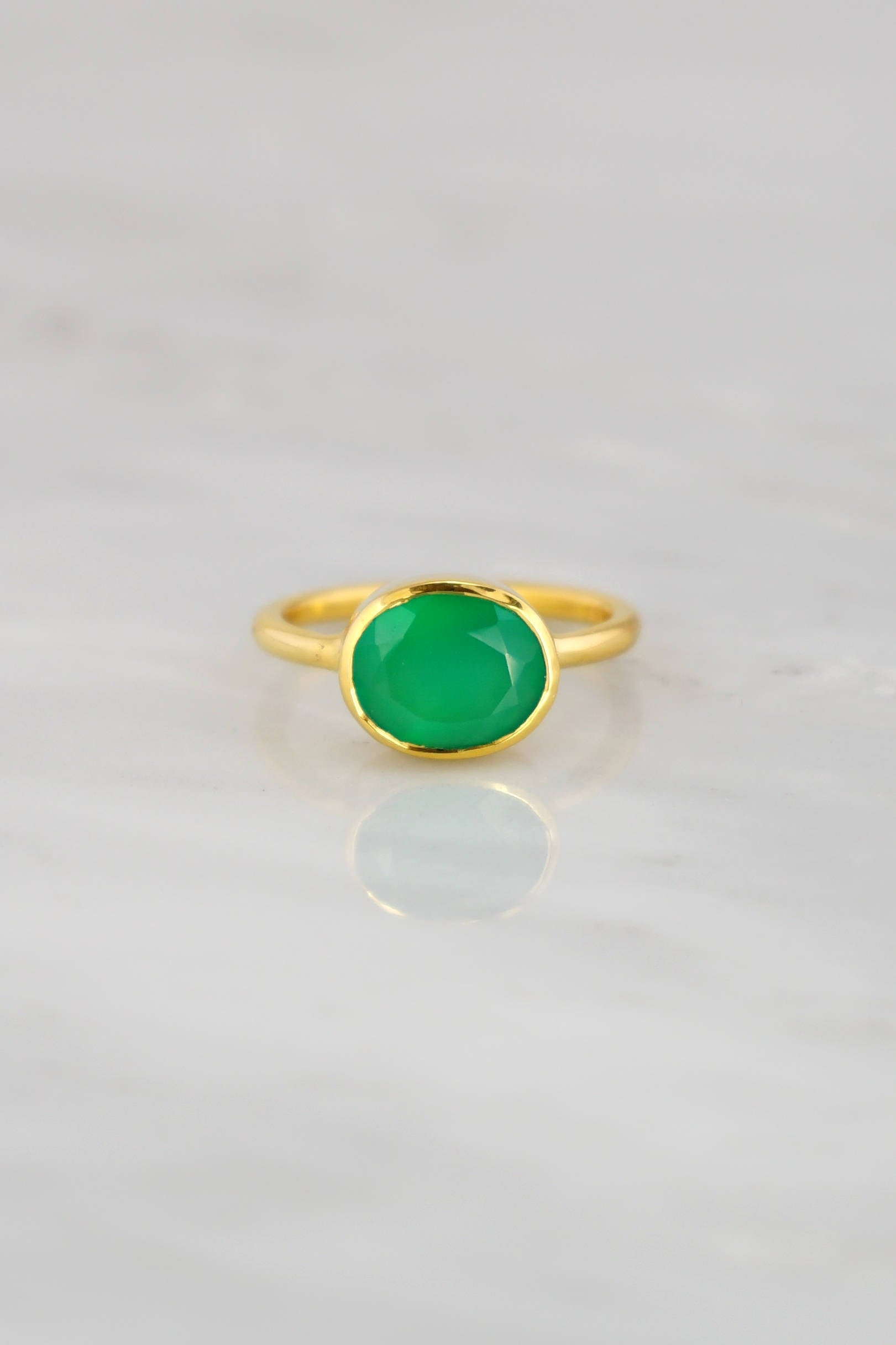 Emerald Green Ring, Green Emerald Color Ring, Dark Green Rings, Oval Green Ring, Gemstone Ring,Bezel set Oval ring, Stackable Gold Ring