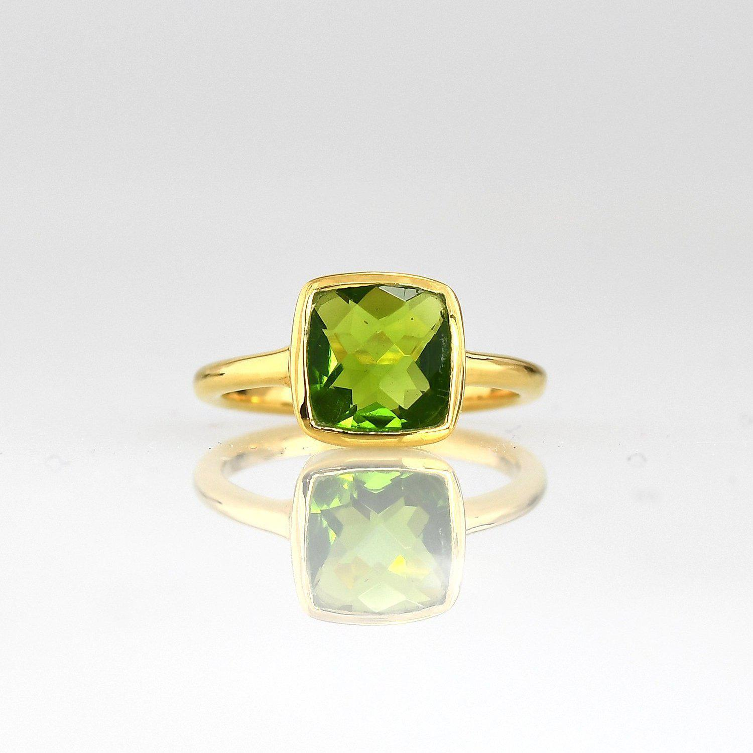 Peridot ring, Green Peridot Quartz Ring , August Birthstone, Colored gemstone ring, Gold ring, Silver ring, Stacking rings, Faceted ring