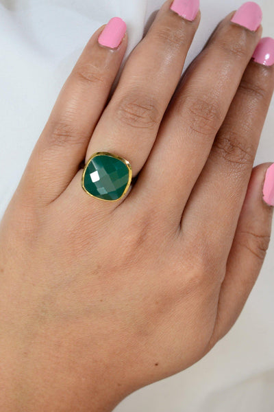 Chrysoprase Ring, Green Gemstone ring, Large cushion ring, Gold Bezel ring, Statement ring, Stackable ring, Stacking ring, Oxidized ring