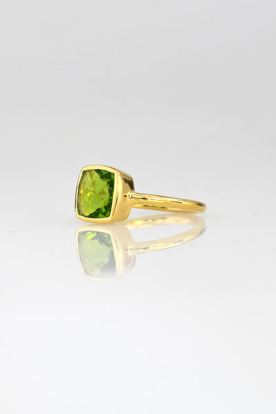 August Birthstone ring, Peridot ring, Green Peridot Quartz Ring ,Colored gemstone ring, Gold ring, Silver ring, Stacking rings, Faceted ring