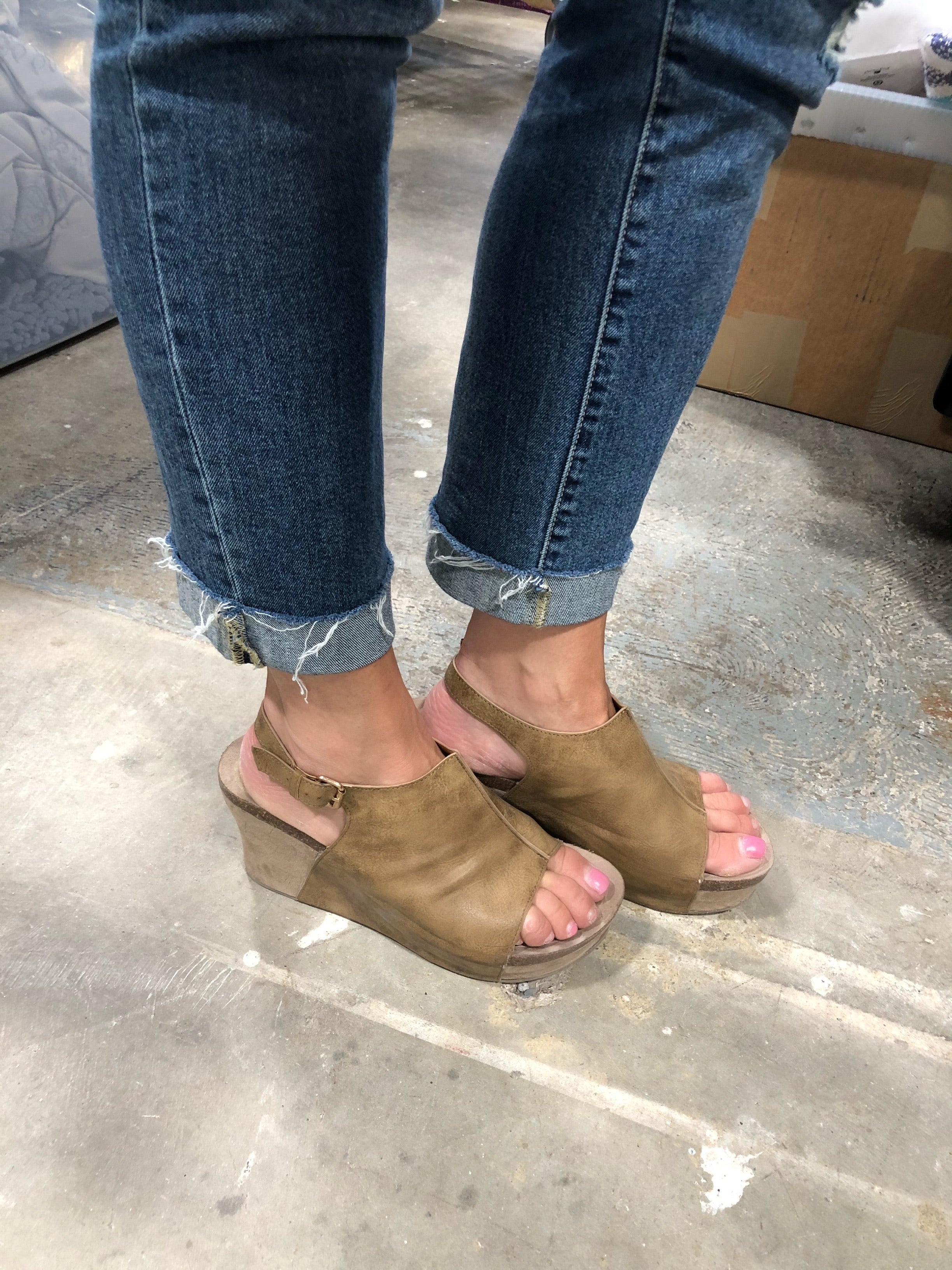 Laura-2 Taupe Wedge Sandal