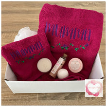 Load image into Gallery viewer, Personalised pamper bath gift set
