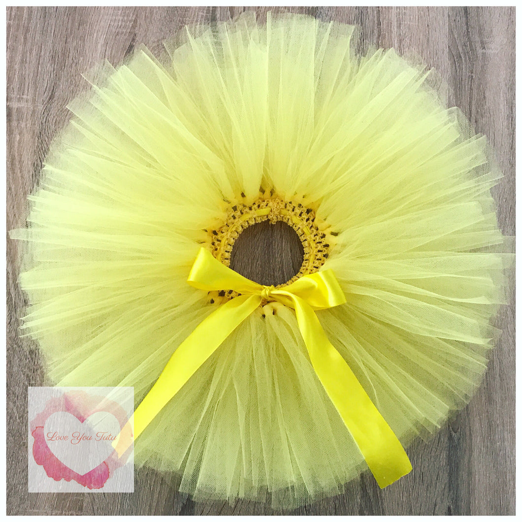 Yellow short tutu skirt