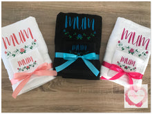Load image into Gallery viewer, Embroidered personalised Mum towel set