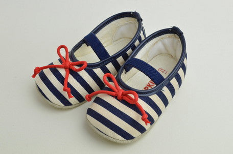 Pompkins soft bow shoes