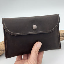 Load image into Gallery viewer, Simple Leather Purse