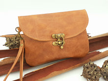 Load image into Gallery viewer, Classic Leather Clutch