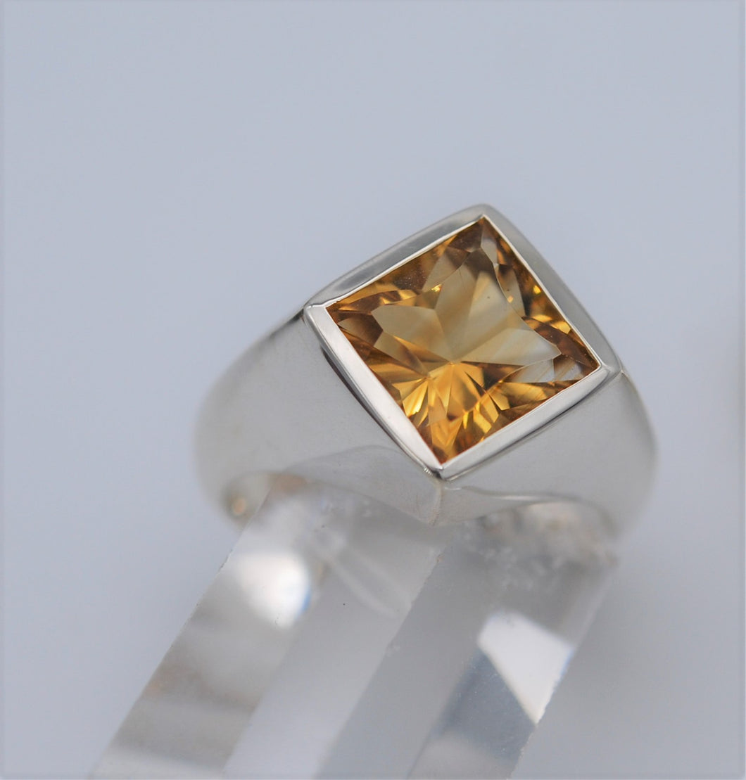 Fancy Signet style ring Ai227