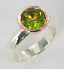 Load image into Gallery viewer, Summer Ring 2 tone with Peridot Ai311