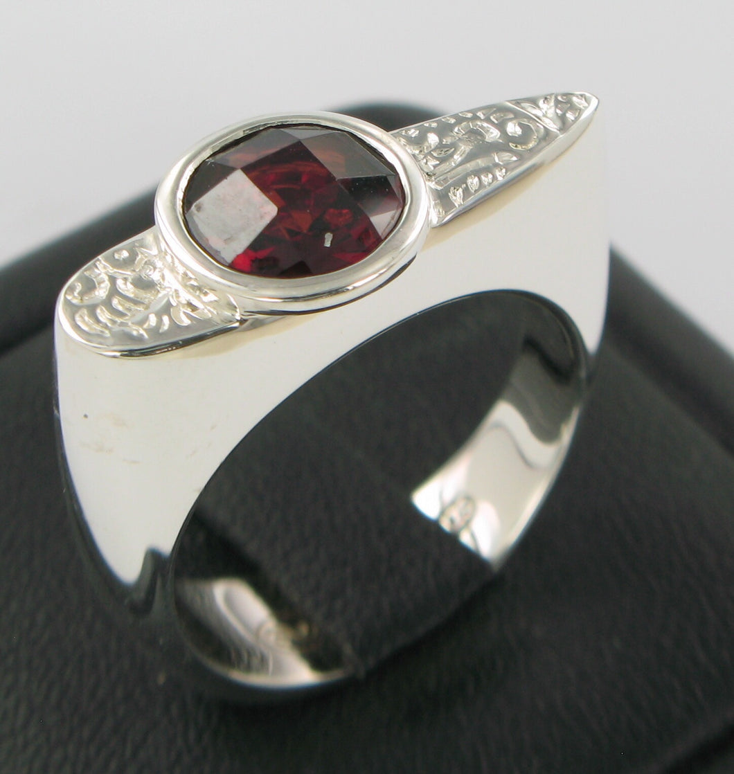 Garnet Pattern Ring Ai120