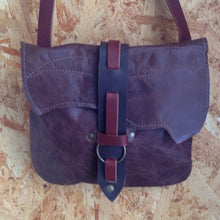 Load image into Gallery viewer, Leather Ring Clasp Bag
