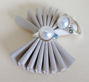 Pearl Ring with Gem accents Ai117
