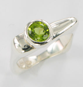 Flat Top Ring with Gems Ai104