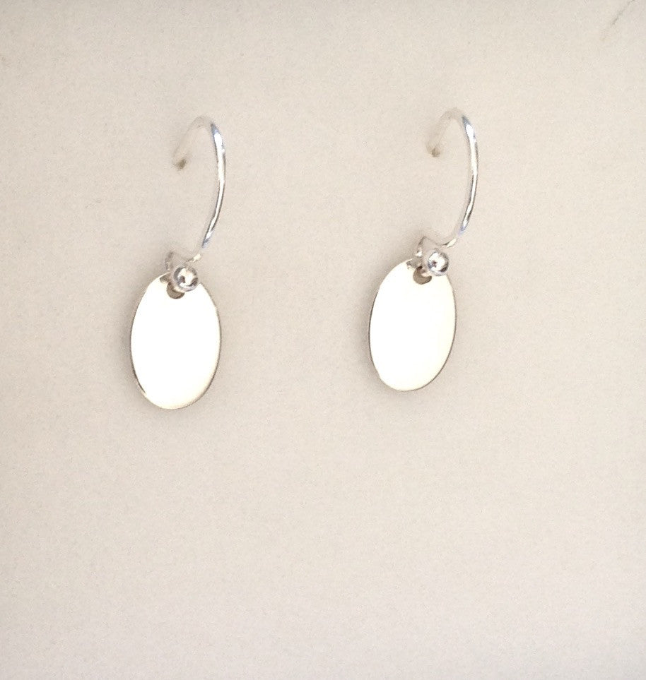 Oval drop earring Ai110