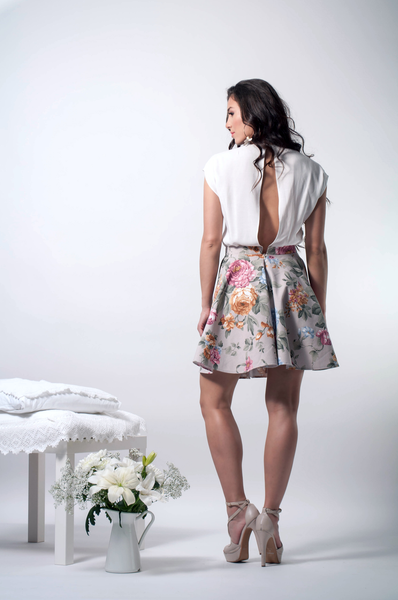 Crosover floral dress back