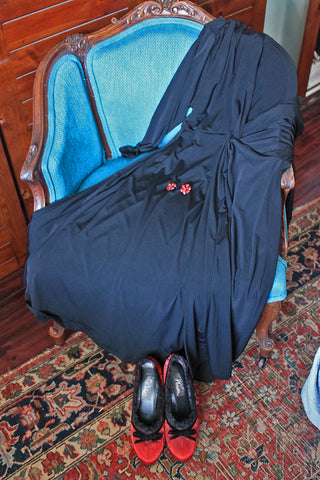 Pluz size Captive8 black Jacki dress worn by Mind the Curves