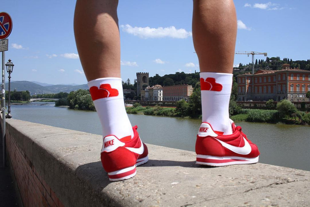 BASE CARTEL White / Red Socks