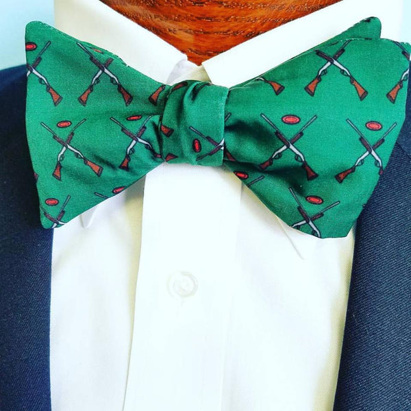 Green Skeet Shooting Shotgun Bow Tie