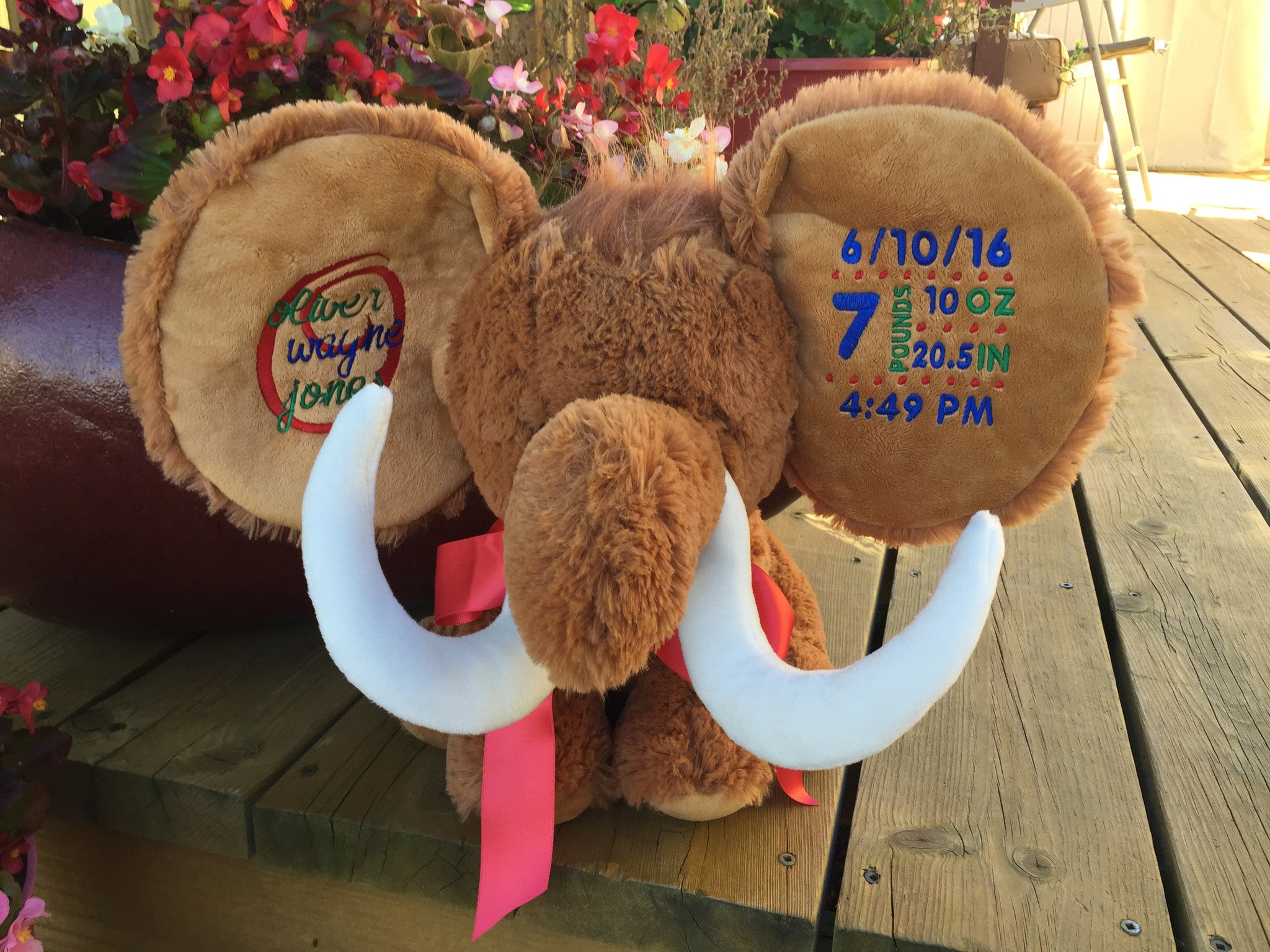 Cubbies™ Wooly Mammoth Dumble With Custom Embroidery