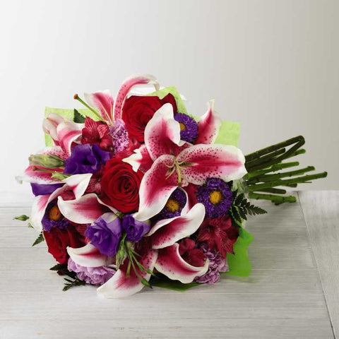 The FTD® Stunning Beauty™ Hand-Tied Bouquet (C16-4839h)