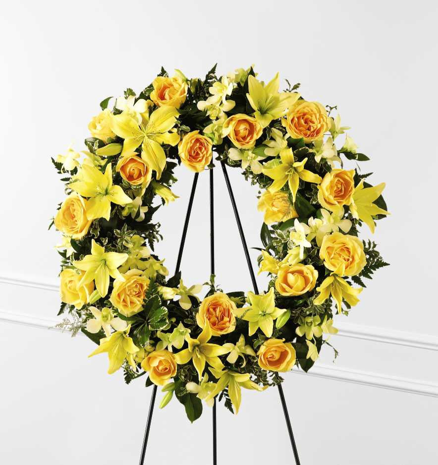 The FTD(r) Ring of Friendship(tm) Wreath (S38-4217)