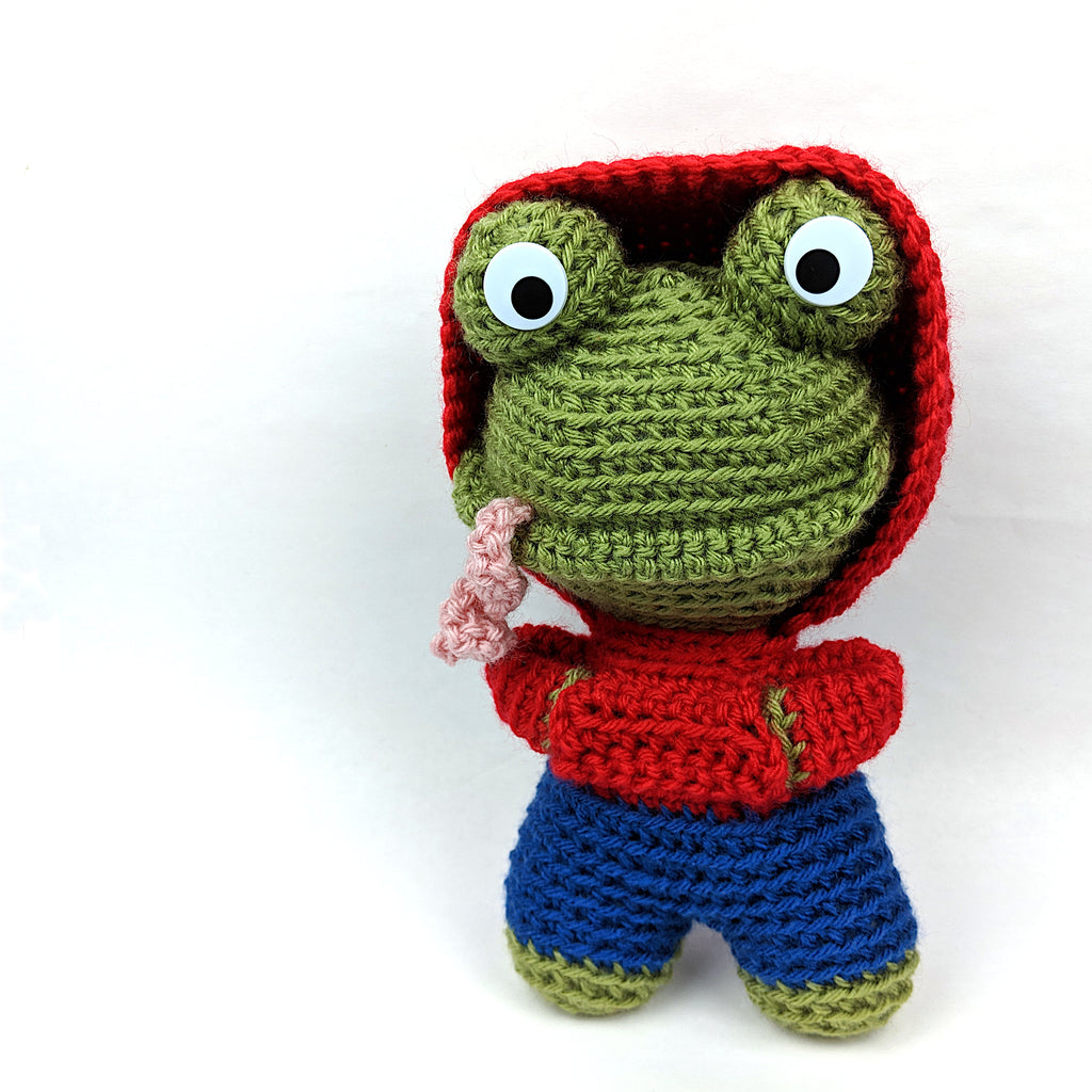 Prince Perry the Amigurumi Frog - PDF crochet pattern by Airali design | 1024x1024