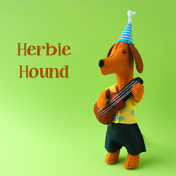 Herbie Hound - felt dog softie pattern