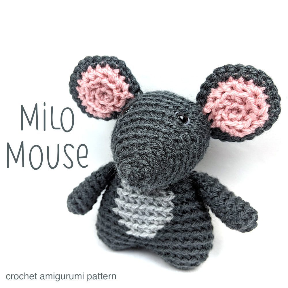 Ravelry: Pocket to Micro Mouse pattern by Sharon Ojala | 1000x1000
