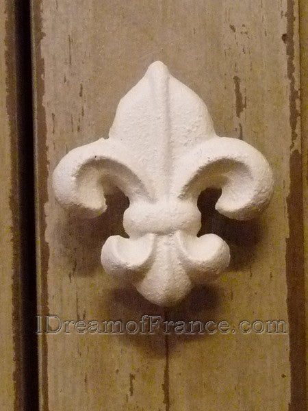 Fleur de Lys Cabinet or Drawer Knob - White