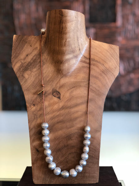 Grey Pearl and Leather necklace