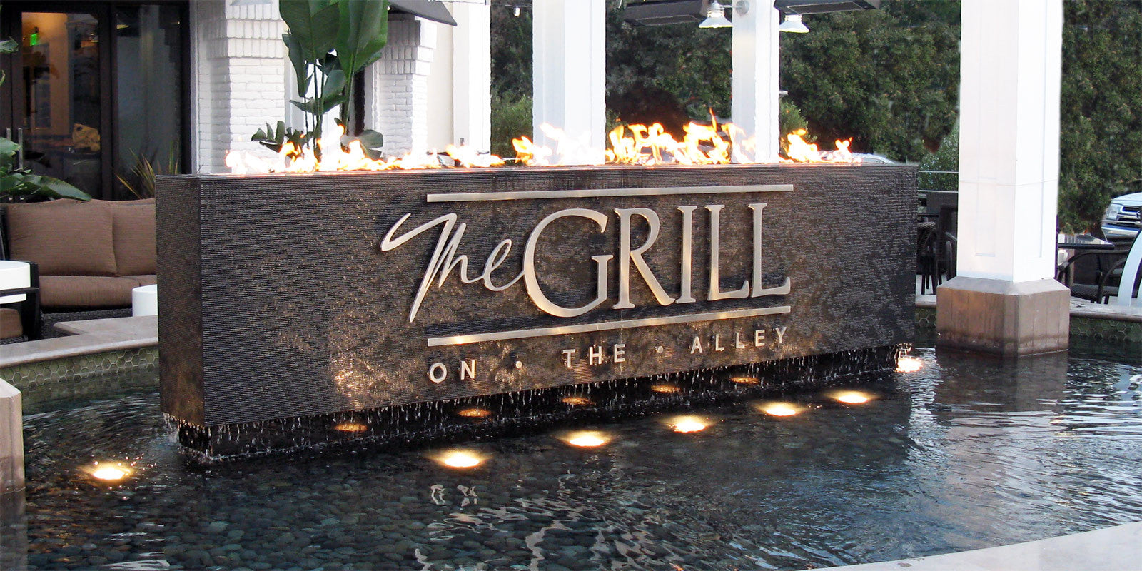 Grill On The Alley Water & Fire Feature - Westlake Village